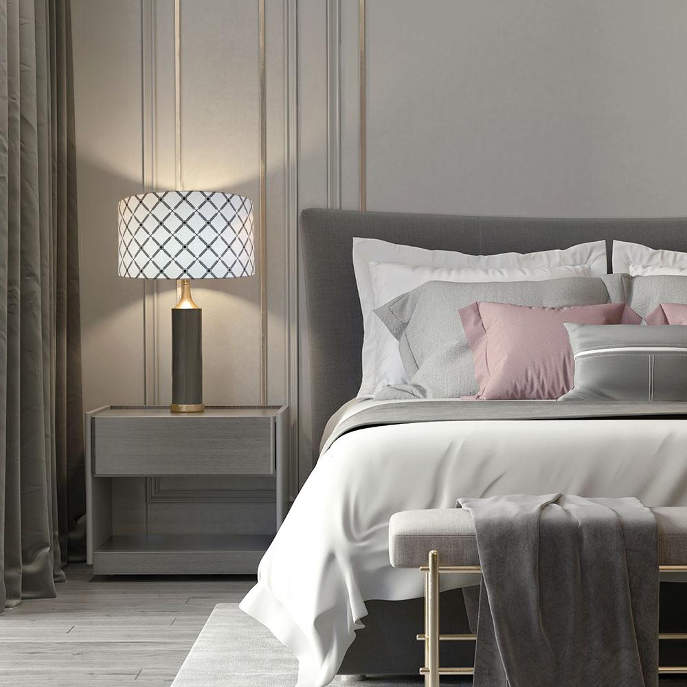 lampe de chevet avec abat-jour rond tendance noir et blanc fleuri